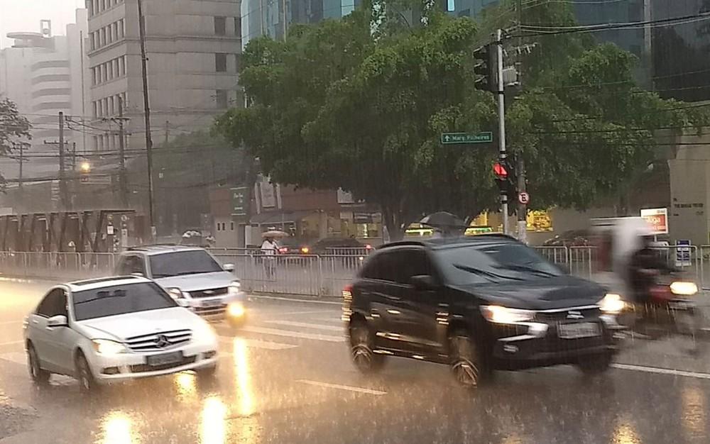 Cidade de SP entra em estado de atenção para alagamentos, diz CGE